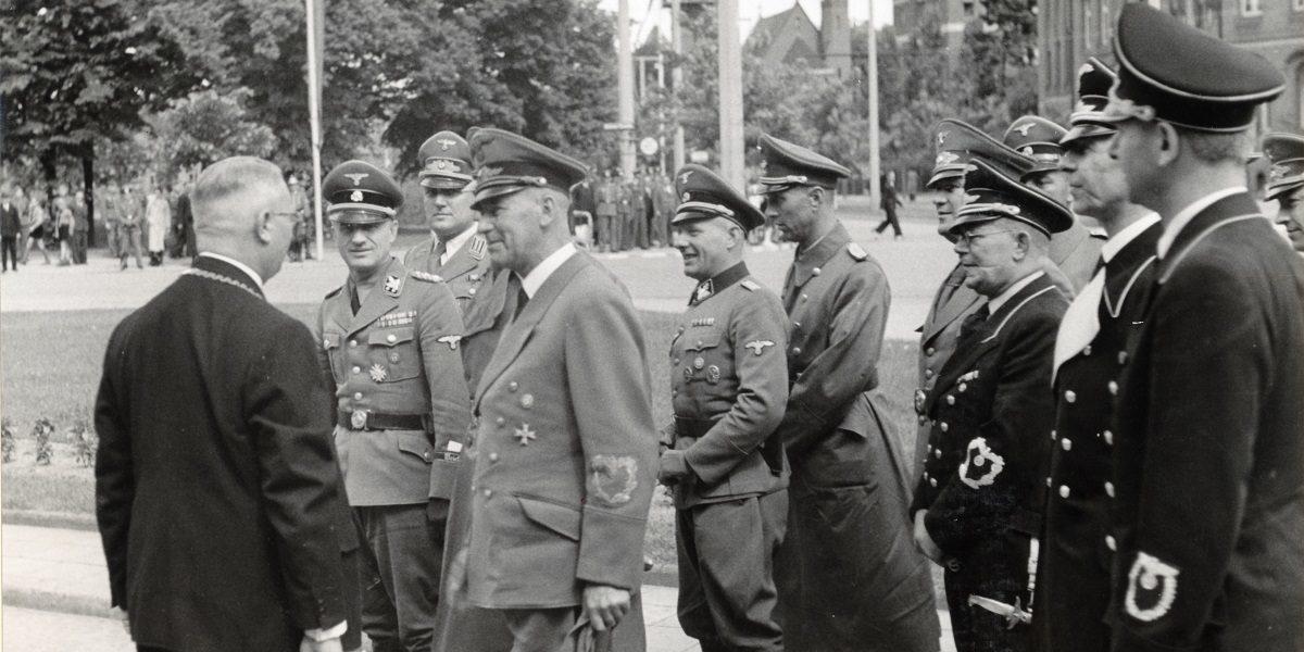 """Wystawa """"Biało-czarne. Toruń w cieniu swastyki. W 80. rocznicę wybuchu II wojny światowej"""""""