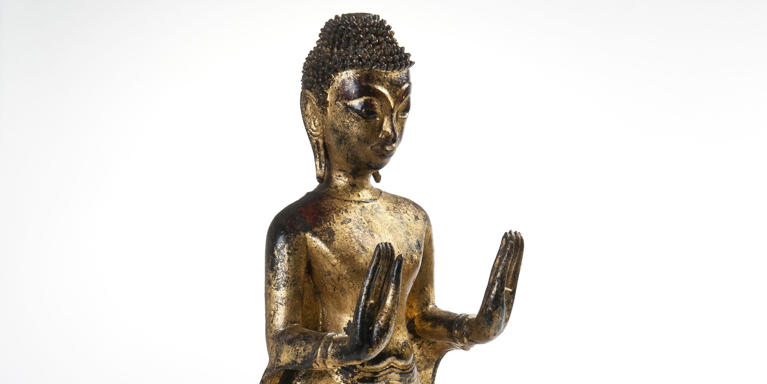 Rzeźba Buddy z północnej Tajlandii ze zbiorów Muzeum Okręgowego w Toruniu