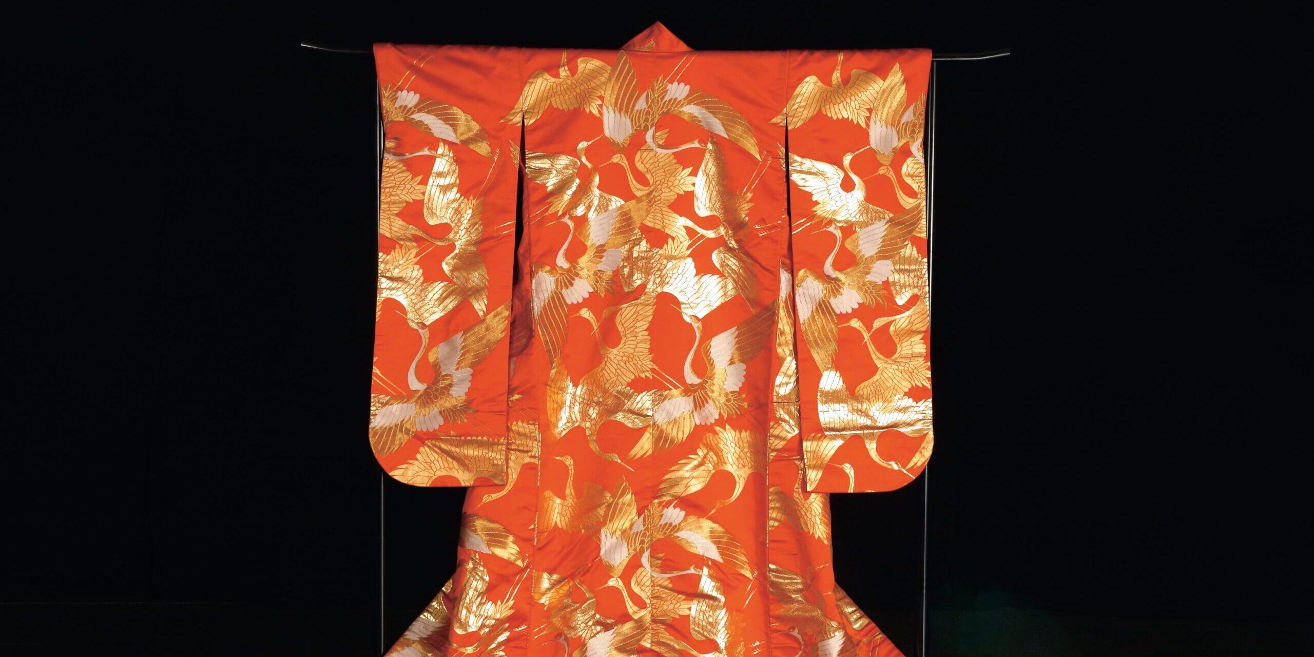 """Wystawa """"Kimono – forma, wzór, rzecz do noszenia. Stroje japońskie z kolekcji Muzeum Sztuki i Techniki Japońskiej Manggha w Krakowie"""""""