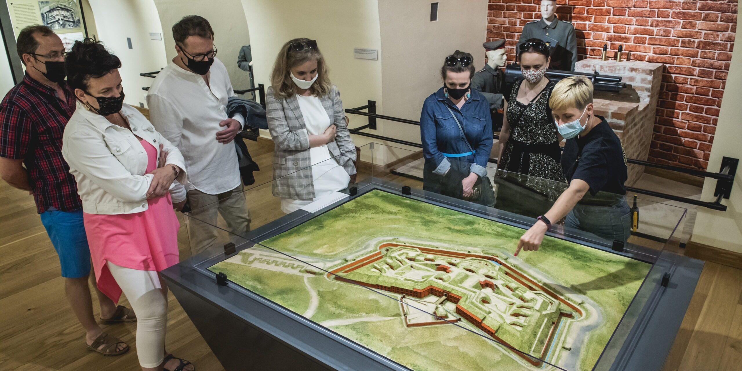 Zwiedzanie Muzeum Twierdzy Toruń z przewodnikiem