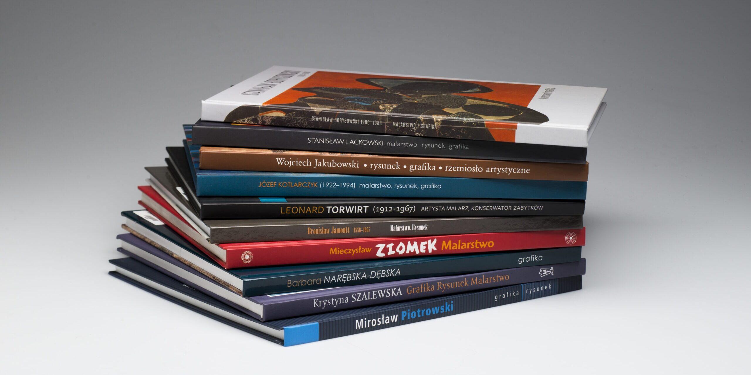 Wakacyjny kiermasz książek muzealnych